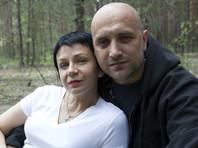 Жене Прилепина после венчания подарили пистолет производства ДНР