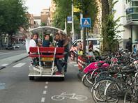 """В Амстердаме запретили популярные у туристов """"пивные велосипеды"""""""
