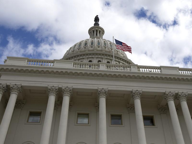 """Комитеты по делам вооруженных сил обеих палат конгресса США согласовали законопроект о бюджете Минобороны страны на 2018 финансовый год. В него, в частности, вошли статьи о выделении около 4,6 млрд долларов на противодействие """"российской агрессии"""" в Европе"""