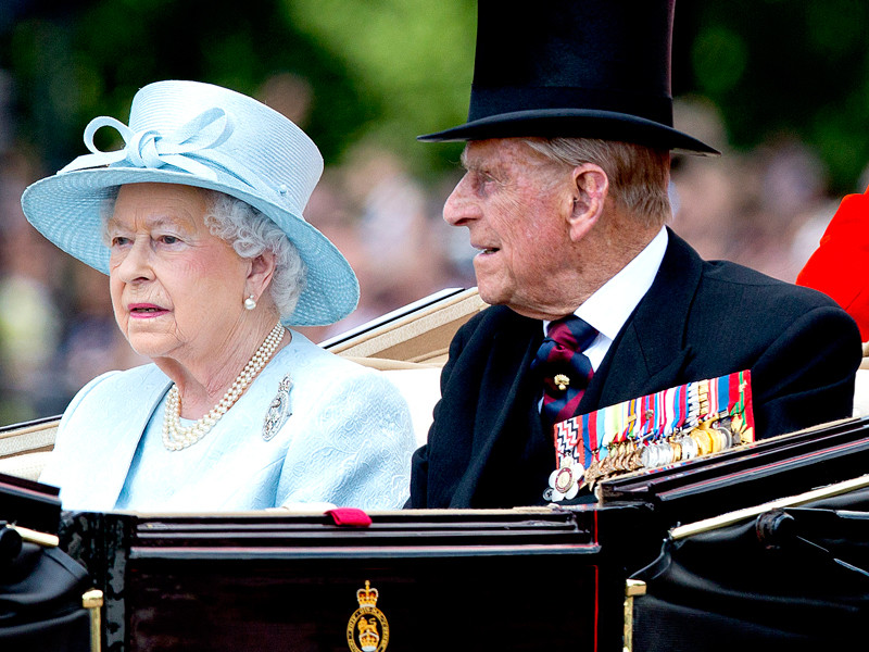 Королева Елизавета и принц Филипп устроили частную вечеринку в честь 70-й годовщины свадьбы
