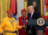 Трамп пошутил о сенаторе с кличкой Покахонтас на встрече с индейцами - ветеранами Второй мировой