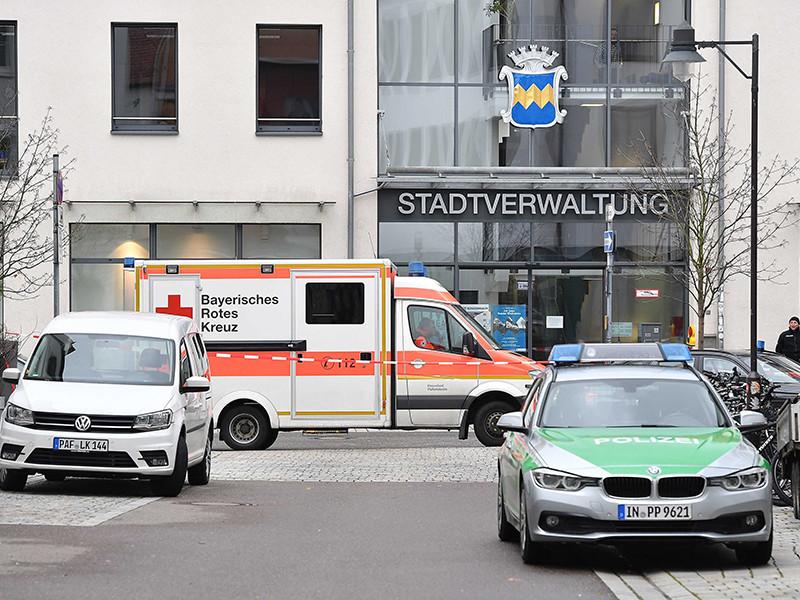 В Германии лишенный родительских прав мужчина  взял в заложники чиновницу