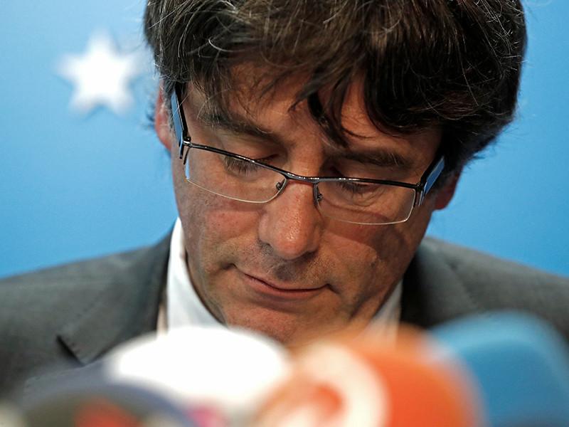 Отправленный в отставку глава женералитета (правительства) Каталонии Карлес Пучдемон не вернулся в Барселону из Брюсселя