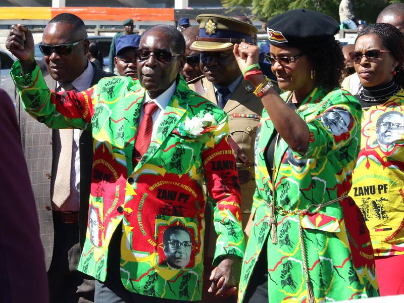 Срок ультиматума правящей партии Зимбабве об отставке Мугабе истек без перемен для президента