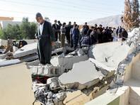 В провинции Керманшах объявлен трехдневный траур по погибшим. Как передает агентство, губернатор региона Хушанг Базванд в телефонном разговоре с президентом страны Хасаном Рухани высказал опасение, что количество жертв может увеличиться по мере разбора завалов рухнувших домов