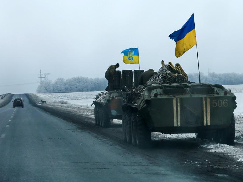 Маккейн призвал Трампа не останавливаться на поставках  стрелкового оружия Украине