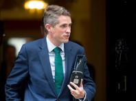 """Министр обороны Соединенного Королевства Гэвин Уильямсон после инцидента выступил с заявлением, что """"не дрогнет при необходимости принять меры для защиты наших территориальных вод"""""""