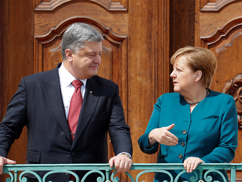 Меркель и Порошенко обсудили, как вернуть российских наблюдателей в Донбасс