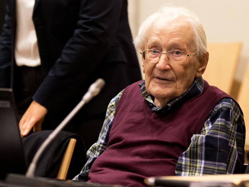 """96-летний """"бухгалтер Освенцима"""" должен сидеть в тюрьме, решил  КС ФРГ"""