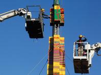 В Тель-Авиве строят рекордную башню из кубиков лего - в память об умершем от рака ребенке, любившем играть в конструктор
