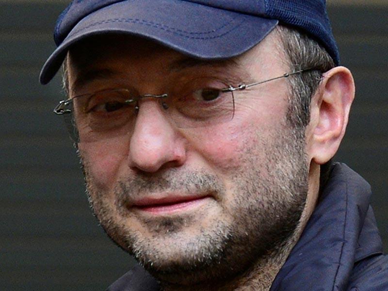 Французские правоохранительные органы обратились за помощью к швейцарским коллегам для расследования уголовного дела в отношении российского сенатора Сулеймана Керимова, который по решению суда Ниццы был отпущен под залог по обвинению в неуплате налогов на сумму 400 млн евро