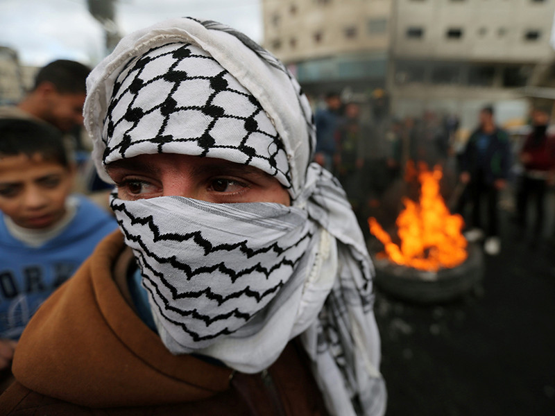 """Трамп """"открыл ворота в ад"""": на Западном берегу начались столкновения, """"Хамас"""" начал восстание, шиитские боевики объявили охоту на солдат США"""