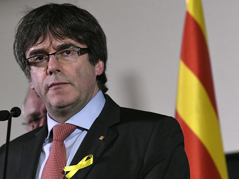 Бывший президент женералитата Каталонии Карлес Пучдемон, чьи сторонники, выступающие за полное отделение автономии от Испании, накануне одержали победу на местных выборах в парламент, заявил в пятницу, что готов встретиться с премьер-министром страны Мариано Рахоем для переговоров