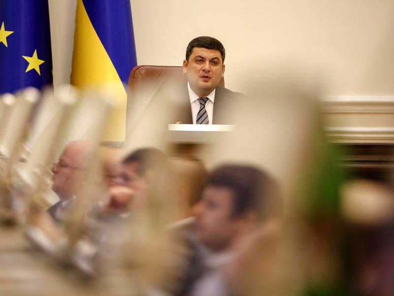 Премьер Украины поблагодарил силовиков за задержание своего  помощника, подозреваемого  в работе на Москву