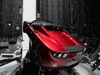 В своем Instagram Маск также продемонстрировал красный родстер Tesla, который на борту ракеты полетит к Марсу. По его словам, это сделано, чтобы этот испытательный полет отличался от других - которые обычно бывают крайне скучными