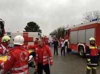 В первоначальных неподтвержденных сообщениях говорилось о 60 пострадавших, в то же время представители Gas Connect Austria настаивали на том, что только четыре человека получили ранения
