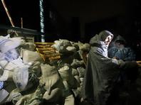 Радикалы, заблокировавшие украинский канал NewsOne, начали разбирать свои баррикады