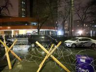 Глава МВД Украины призвал прекратить блокировку телеканала NewsOne, хотя полиция не нашла в происходящем криминала
