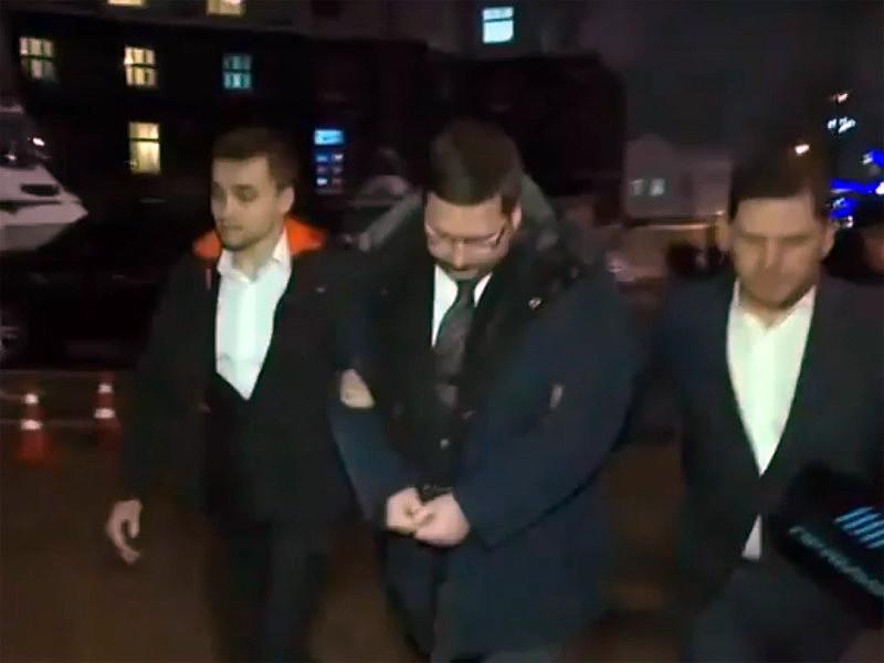 Шевченковский районный суд Киева арестовал на два месяца переводчика премьер-министра Украины Станислава Ежова, которого подозревают в государственной измене