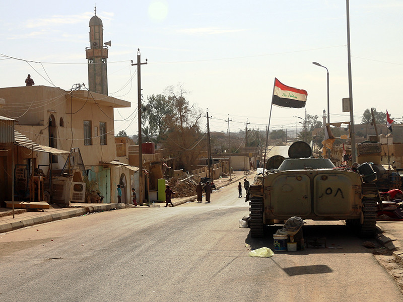 """Ирак """"полностью освобожден"""" от террористов """"Исламского государства""""*, объявила армия страны в субботу"""