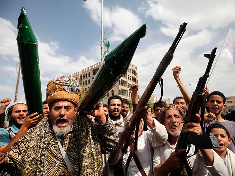 Саудовская Аравия перехватила запущенную повстанцами-хуситами баллистическую ракету