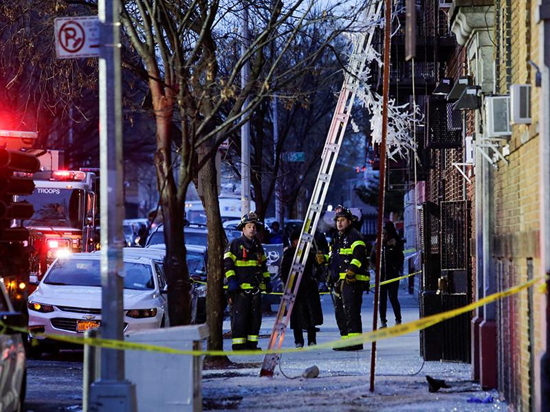 Власти Нью-Йорка установили, что причиной крупного пожара в жилом пятиэтажном здании Бронкса стали действия маленького ребенка, который игрался со спичками у плиты