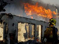В Калифорнии снова разгорелись природные пожары: эвакуируют более 180 тысяч жителей штата (ФОТО, ВИДЕО)