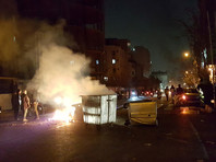 Полиция застрелила двух участников антиправительственных демонстраций, захлестнувших Иран