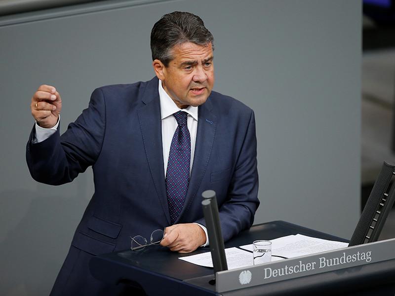 Глава МИД Германии Зигмар Габриэль считает, что Евросоюзу следует более активно сотрудничать с Анкарой и Киевом