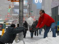 В США рекордную по масштабам битву в снежки отменили из-за снегопада