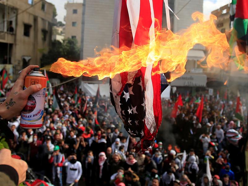 При разгоне демонстрации у американского посольства в Бейруте есть пострадавшие