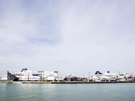 Паром из Британии сел на мель в порту Кале