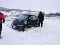 В Казахстане спасли россиянина, который сбился с пути и три дня замерзал в автомобиле