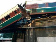 Поезд Amtrak, который выполнял первый рейс по новому маршруту и рухнул с моста на оживленную автостраду к югу от Сиэтла (США, штат Вашингтон), вошел в поворот с тройным превышением скорости, заявили федеральные следователи