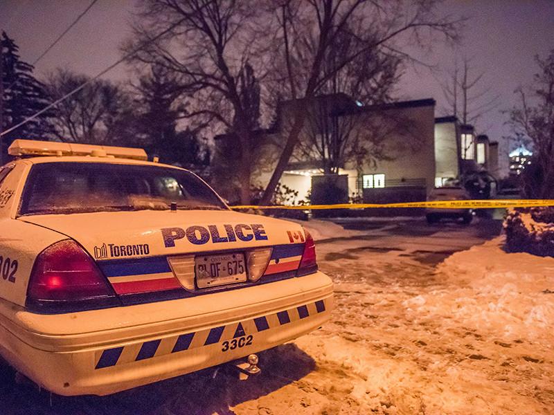 Канадский миллиардер, основатель фармацевтической корпорации Apotex Барри Шерман и его супруга Хани были найдены мертвыми в своем доме в канадском городе Торонто
