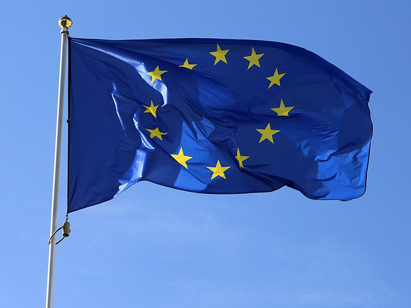 Руководство Евросоюза официально продлило экономические секторальные санкции против России, введенные из-за присоединения Крыма и Севастополя к РФ и ситуации на юго-востоке Украины, до 31 июля 2018 года