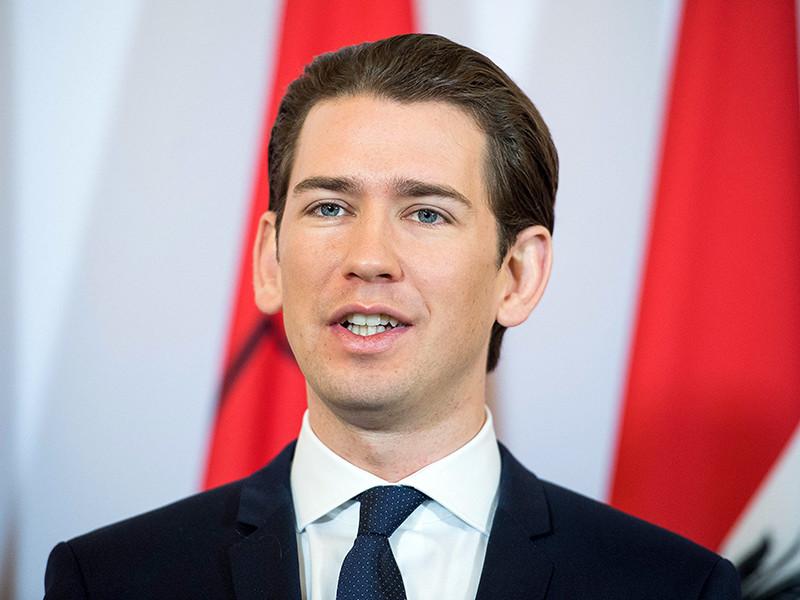 Канцлер Австрии Себастьян Курц считает целесообразной пошаговую отмену санкций против России при условии прогресса в выполнении минских договоренностей