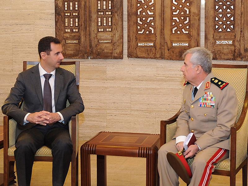 Башар Асад и Али Айюб( на фото - справа), 22 июля 2012 года