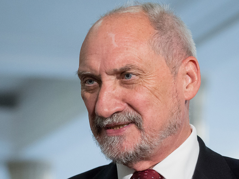 Бывший министр обороны Польши возглавил комиссию по повторному расследованию гибели Качиньского