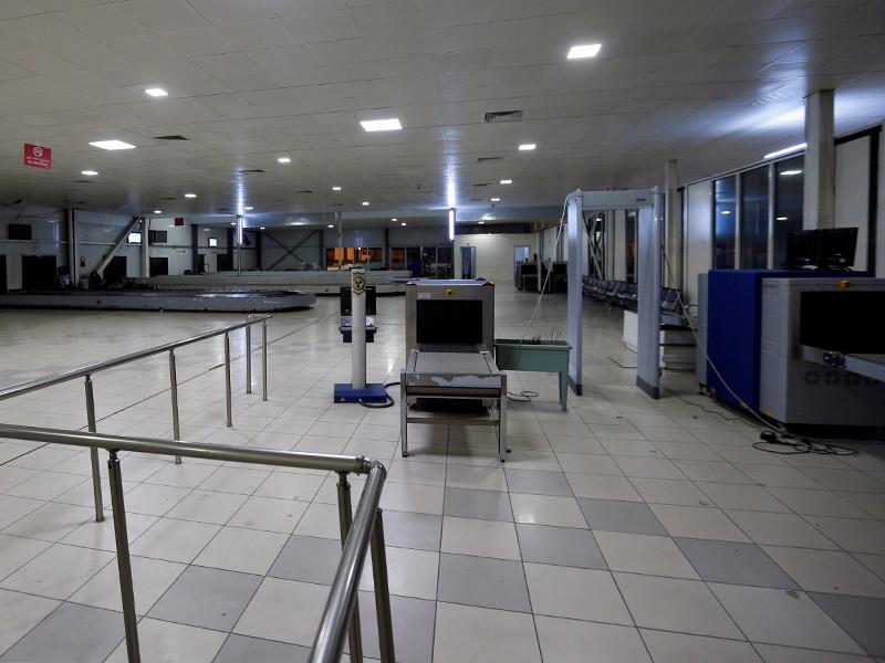 В Триполи в результате атаки боевиков на аэропорт погибли не менее 20 человек