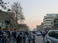 Правозащитница отметила, что конституция дает иранцам право протестовать, поэтому они должны оставаться на улицах