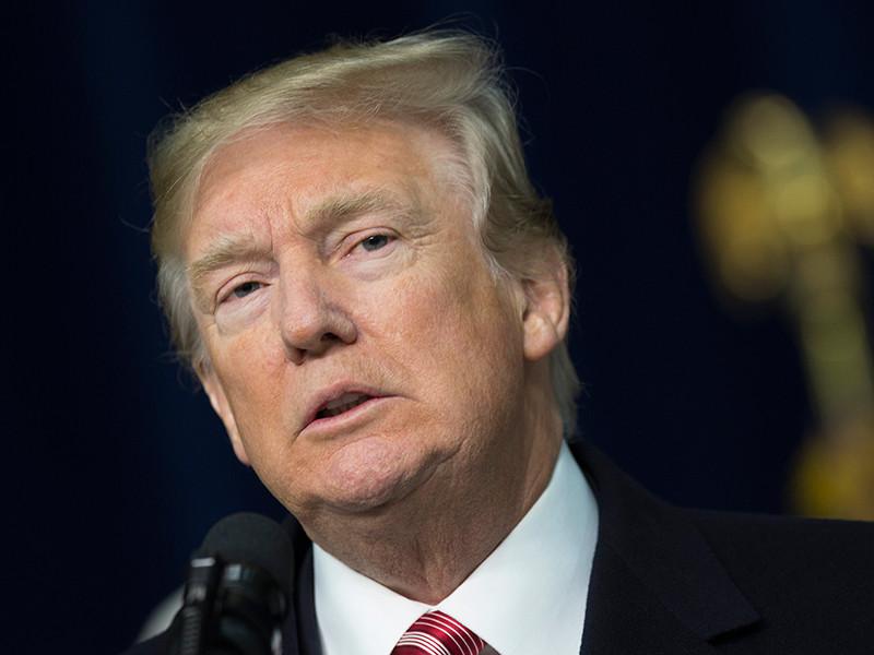 В США объявлен розыгрыш приглашений на ужин в компании Трампа на его вилле