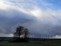 В Западной Европе сотни тысяч людей остались без электричества из-за мощнейшего шторма (ВИДЕО)