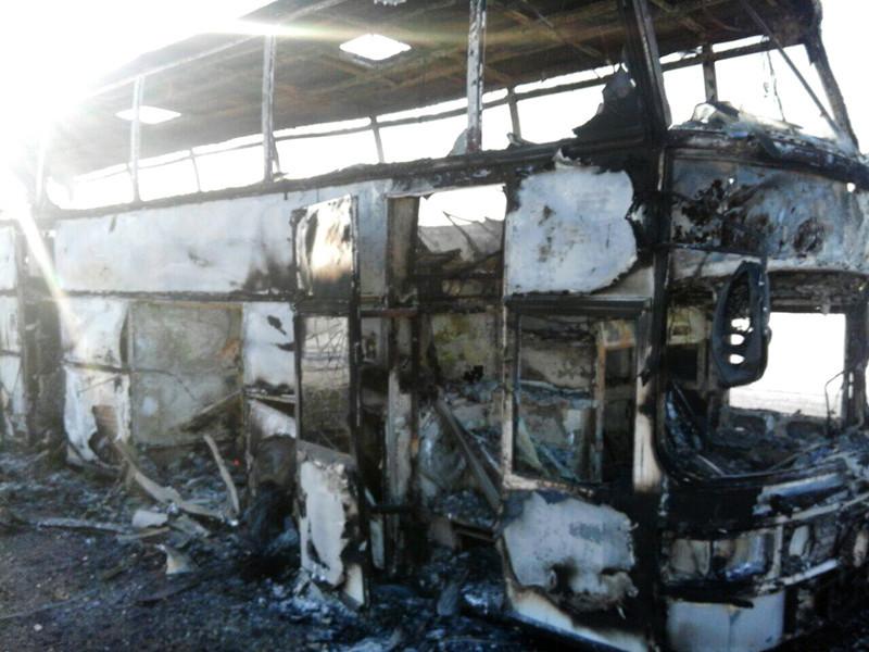 В Казахстане в рамках уголовного дела по факту возгорания в автобусе в Актюбинской области, в результате которого погибли 52 человека, были задержаны трое выживших водителей автобуса