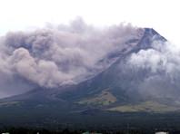 Филиппины в ожидании извержения вулкана Майон: островитяне покидают дома, туристы приезжают в поисках красивых фотографий