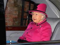 Официального поставщика нижнего белья  Елизаветы II лишили патента после  скабрезных подробностей в книге про лифчики