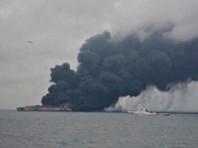 Найдено тело одного из 32 пропавших моряков с горящего танкера в Восточно-Китайском море