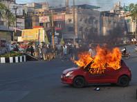 """В Индии проходят протесты против """"искажающего историю"""" фильма """"Падмавати"""", на режиссера объявлена охота"""