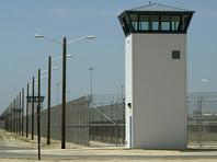 В США сбежавший из тюрьмы заключенный пытался вернуться туда с курицей и выпивкой
