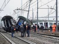 В Италии пассажирский поезд сошел с рельсов: есть погибшие, множество раненых